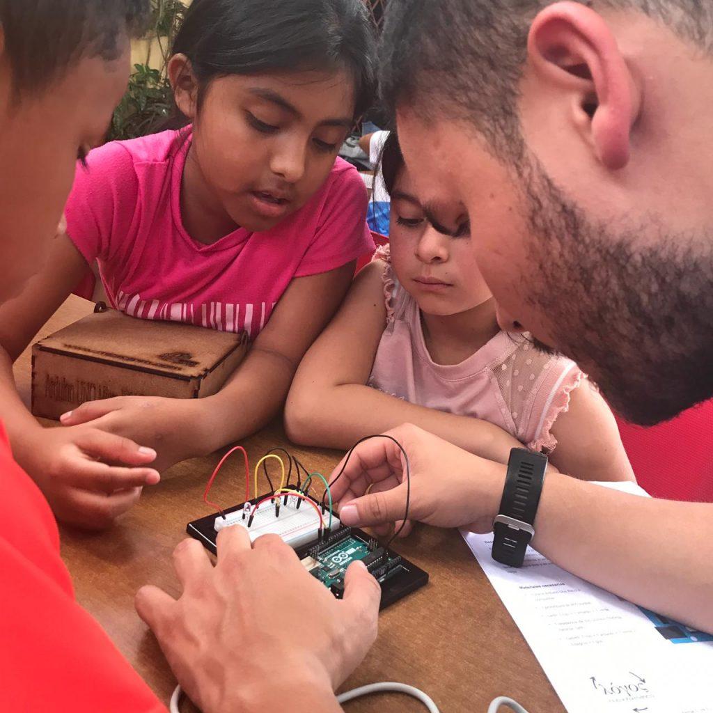 Voluntario tecnología